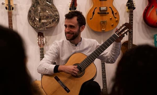 Violonista Eduardo Gutterres faz recital neste domingo (21/03) online ao vivo pelo Movimento Violão Novos Rumos