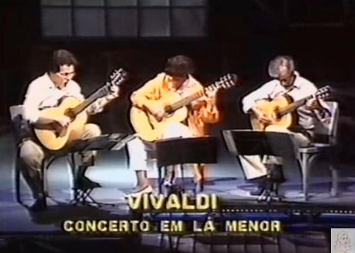 Capa do vídeo Concerto em Lá menor - Allegro (Vivaldi) - Violão Câmara Trio