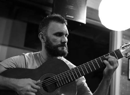 O violão no samba: um estudo em Florianópolis - Natália Livramento