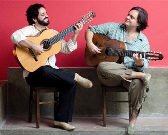 O violão de 7 cordas no Brasil e sua trajetória de acompanhador a solista - Ricardo Pauletti