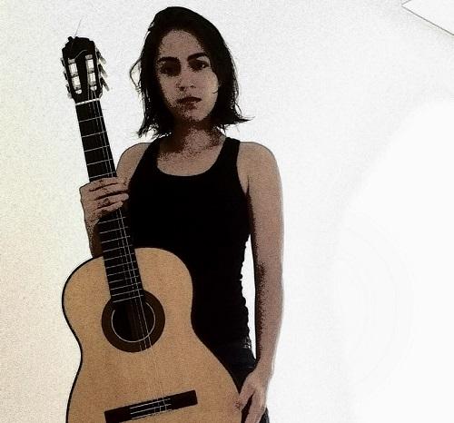 A mulher compositora e o violão da década de 1970, por Mayara Amaral