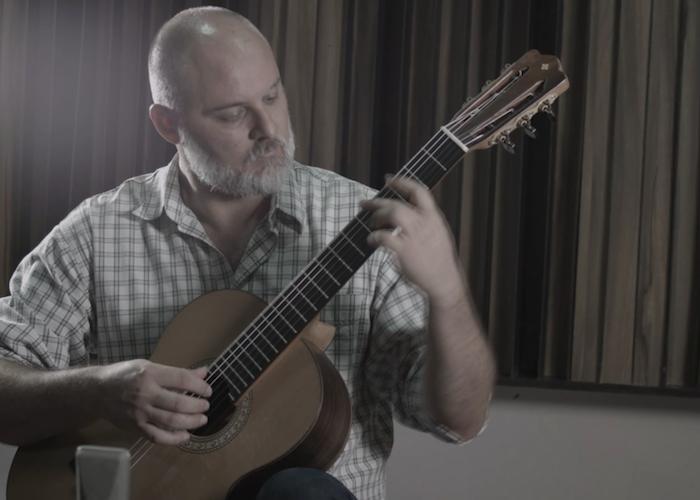 Capa do vídeo André Siqueira - Choro Chorado Pra Paulinho Nogueira (P. Nogueira / Toquinho / Vinícius)