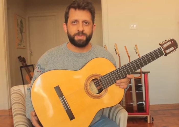 Capa do vídeo Luthier Lineu Bravo doa instrumento para financiar o Acervo Violão Brasileiro