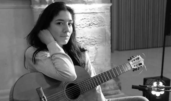 O Desafio de compor para violão e orquestra, por Elodie Bouny