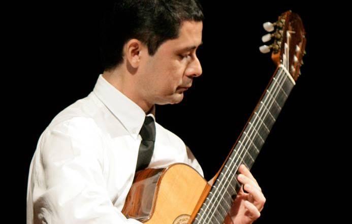 O violão nos séculos XX e XXI é tema de curso do professor Gilson Antunes neste final de semana