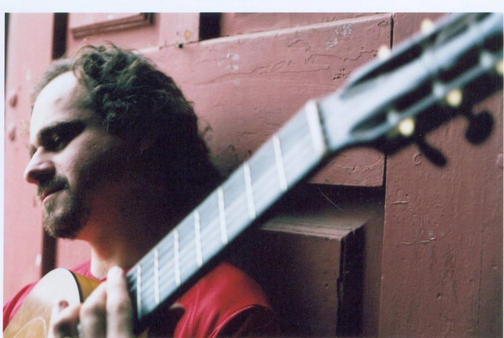 Lives de violão: Tabajara Belo, Dinho Nogueira, Alessandro Soares, Gilson Antunes e Jorge Mello são destaques desta quinta (04/06)