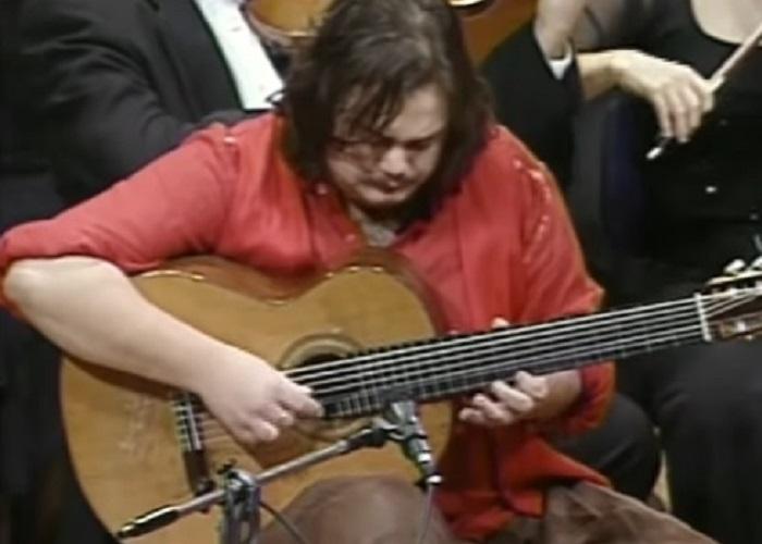 Capa do vídeo Yamandu Costa toca suíte para violão sete cordas de Maurício Carrilho