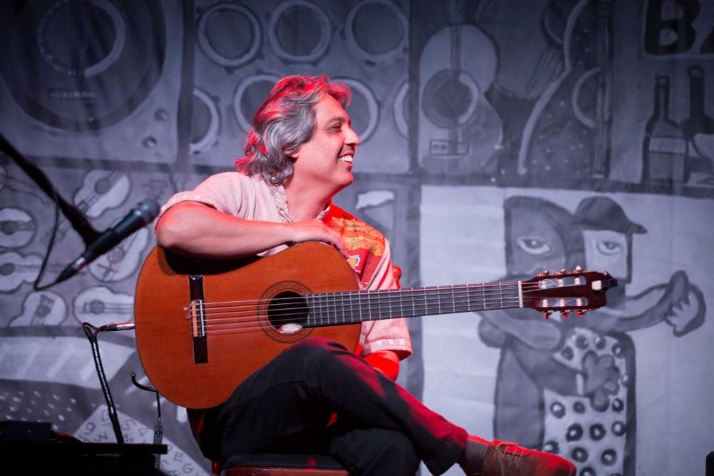 """Bosco Oliveira fala do """"Batuque Elíptico"""", que faz parte do CD Novas 3. Baixe a partitura"""