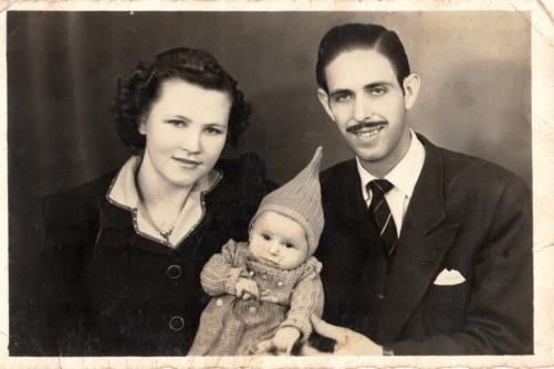 Acervo Instituto Bixiga e família do violonista. Foto de 14 de agosto de 1944