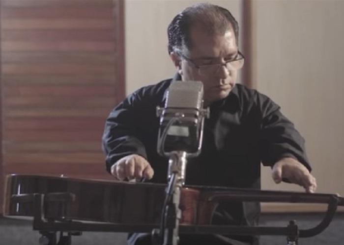 Capa do vídeo Nenéu Liberalquino - Insensatez (Tom Jobim / Vinícius de Moraes)