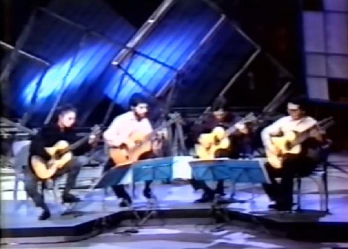 Capa do vídeo  Quarteto Carioca de Violões - Concerto Brandemburgo n° 3 (J. S. Bach)