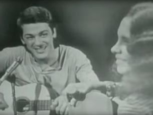 Capa do vídeo Gal Costa e Toquinho - Ao Voltar do Samba (Synval Silva)