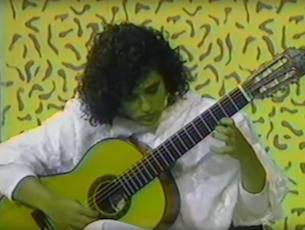 Capa do vídeo Badi Assad - Concerto para Violão e Orquestra_Cadência (Villa-Lobos)