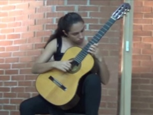 Capa do vídeo Mayara Amaral interpreta peças de Sor, Bach e Barrios