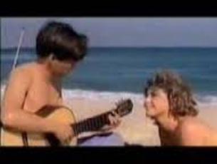 Capa do vídeo Luiz Bonfá, João Gilberto e Tom Jobim em trecho do filme Copacabana Palace - Canção do Mar (Luiz Bonfá)