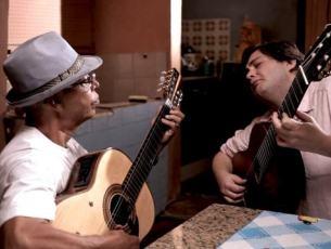 Capa do vídeo Trailer do documentário Sete Vidas em 7 Cordas