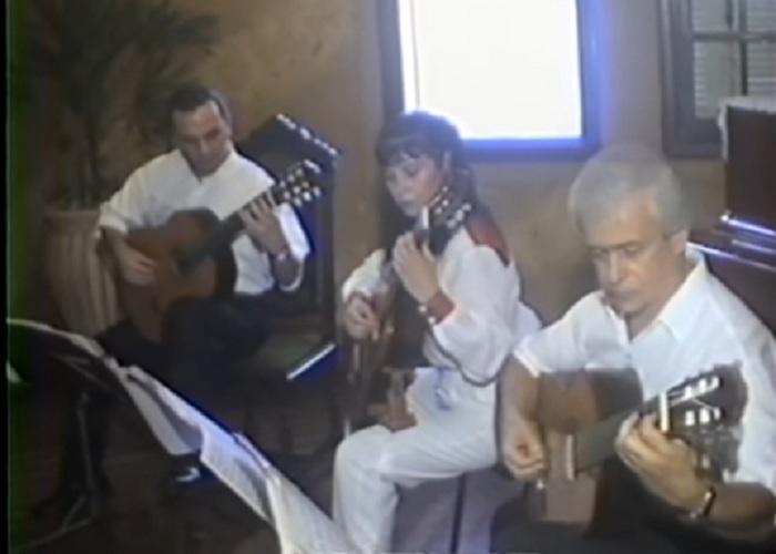 Capa do vídeo Violão Câmara Trio - Diamantina (Juarez Moreira) / Mulher Rendeira (Zé do Norte, arranjo: Nenéu Liberalquino)